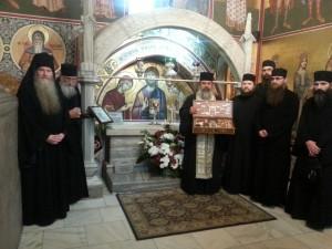 2. La mormântul Sfântului Ștefan cel Mare